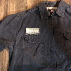 Men's Dickies button up shirt.